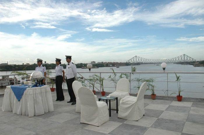 Floatel Hotel Kolkata